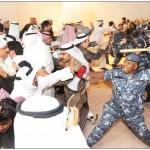 """صور+فيديو: القوات الخاصة تضرب المواطنين والنواب في ديوان الحربش أثناء ندوة """"إلا الدستور"""" الثانية"""
