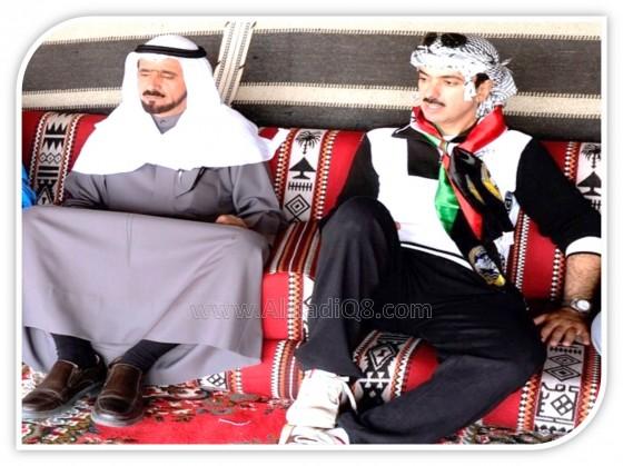 """فيديو: يوم مفتوح لـ علي الراشد و مخلد العازمي في """"مخيم البترول"""" ركوب للجمال ولعب كرة القدم"""