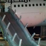 فيديو: هبوط طائرة بدون عجلات في مطار المدينة المنورة