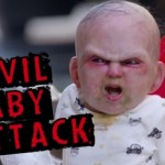 """فيديو: """"الطفل الشيطاني"""" يتجول في شوارع نيويورك قبل نزوله السينما في طريقة جديدة للترويج للفيلم"""
