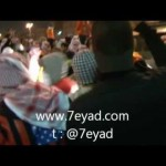 فيديو: مجموعة من المقنعين حطموا زجاج دوريات بعد إعلان منظمي (مسيرة كرامة وطن6) عن إنتهائها بأكثر من ساعة