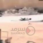 """فيديو: طفل سوري """"بطل"""" ينقذ شقيقته من تحت وابل رصاص القناصة في سوريا"""