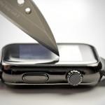 فيديو: شاهد إختبار قدرة تحمل ساعة أبل Apple Watch للماء والخدش والظروف الصعبة