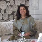 """فيديو: CNN: البحرينية """"نوال الصباغ"""" سيدة أعمال بدّل قرض صغير حياتها لتدير مملكة زهور بملايين الدولارات"""