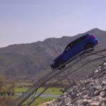 فيديو: حلقة جديدة من برنامج السيارات Q8Stig مع سيارة جاكوار F-Pace الجديدة