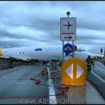 فيديو: طائرة تابعة لشركة الشحن DHL تتجاوز المدرج إلى الطريق العام في إيطاليا